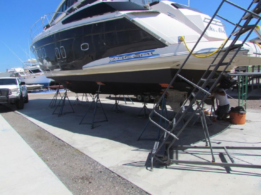 2008Regal 52 Sport Coupe - $405,000 boat for sale, photos and specifications