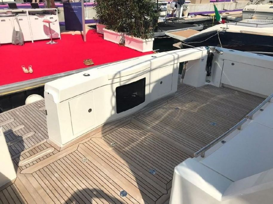 2018Riviera 68 Sports Motor Yacht - $3,503,125 boat for sale, photos and specifications