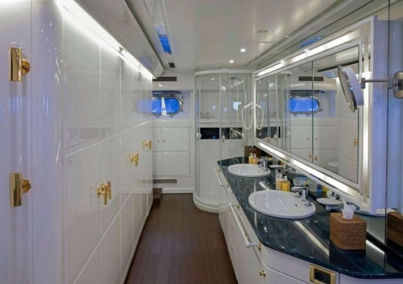 2000Guy Couach 35M - $2,367,600 boat for sale, photos and specifications