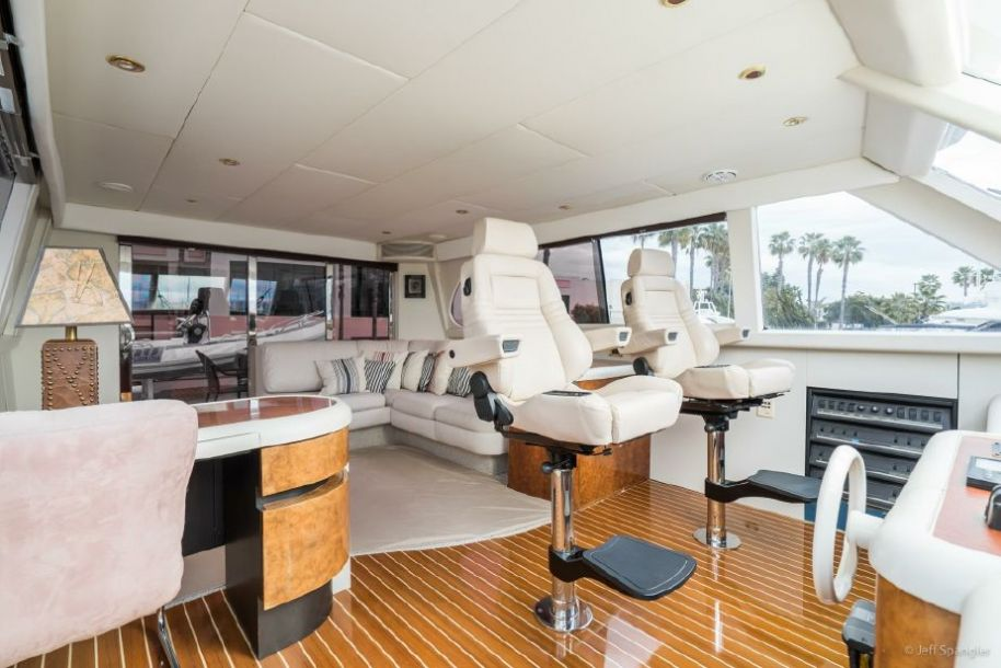 2001 Lazzara Yachts Skylounge - $995,000 boat for sale, photos and specifications