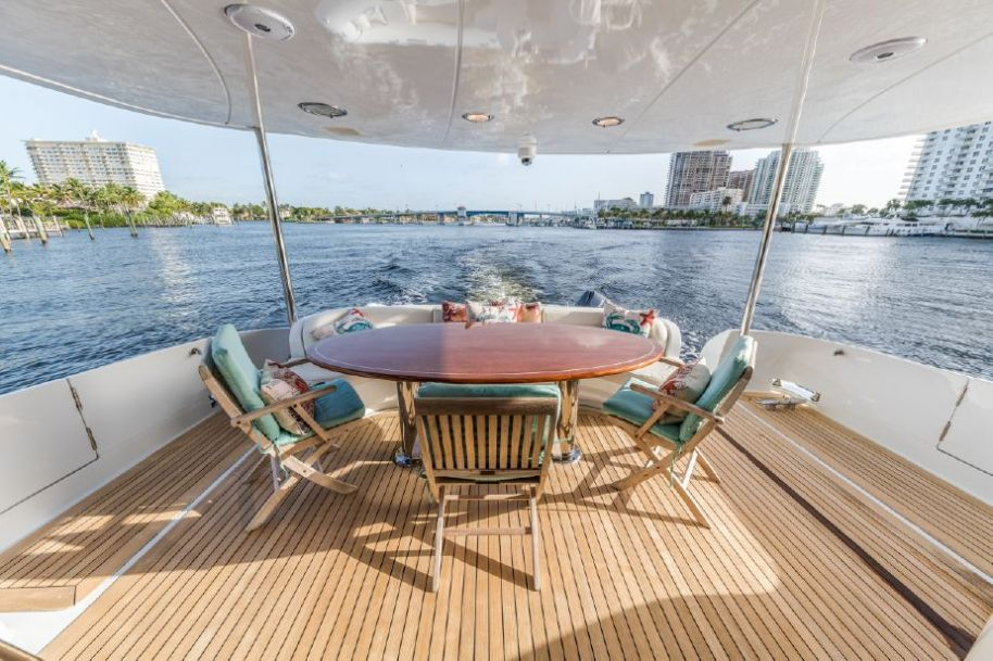 2004 Lazzara Yachts Sky Lounge - $1,650,000 boat for sale, photos and specifications