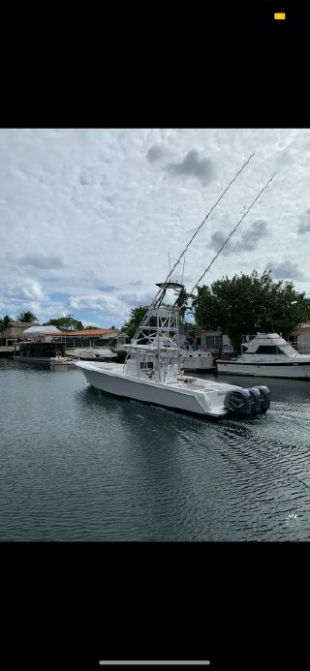 2013 Contender 39 ST - $465,000 boat for sale, photos and specifications