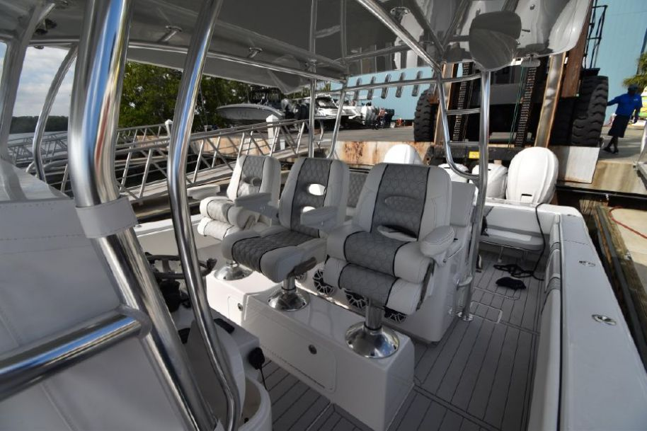 2020 Contender 44 ST - $779,000 boat for sale, photos and specifications
