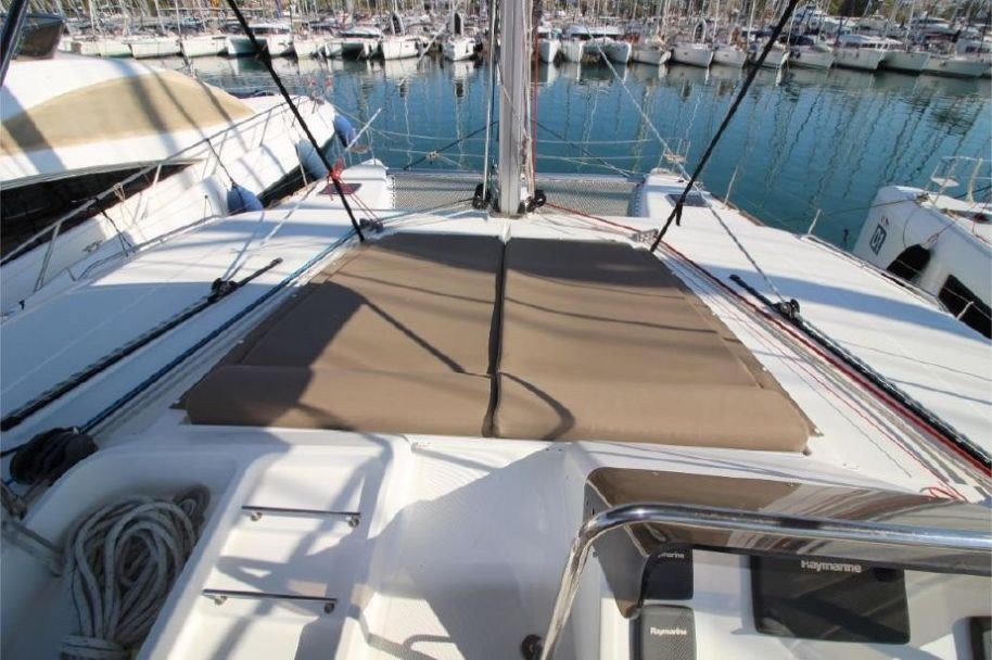2014Lagoon 450 - $445,628 boat for sale, photos and specifications