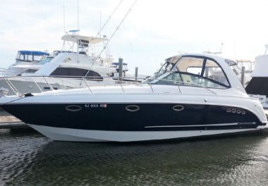 2010 Chaparral 370 Signature - $180,000 boat for sale, photos and specifications