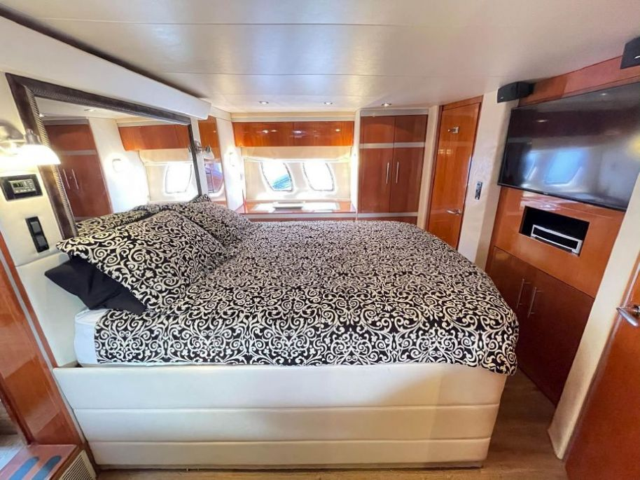 2009Regal 53 Sport Coupe - $379,000 boat for sale, photos and specifications