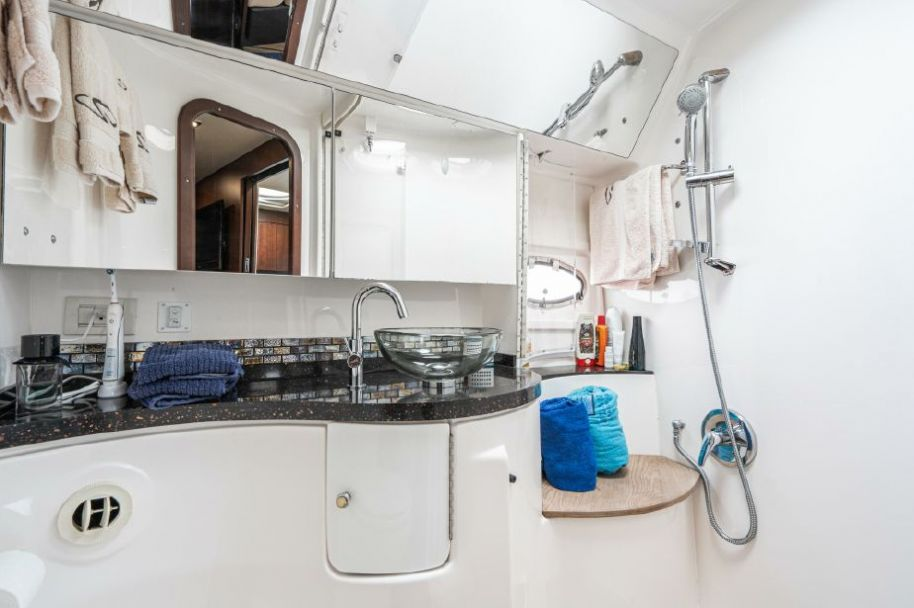 2015Regal 46 Sport Coupe - $575,000 boat for sale, photos and specifications