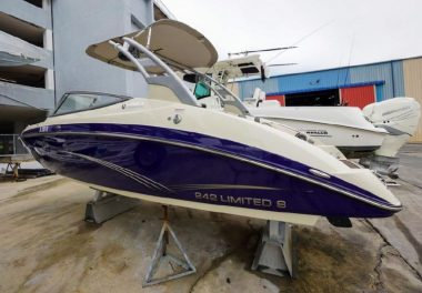 2015Yamaha Boats 242 Limited S - $55,000 boat for sale, photos and specifications