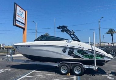 2016Yamaha Boats AR 240 - $49,900 boat for sale, photos and specifications