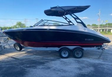 2017Yamaha Boats 242 Limited S - $72,900 boat for sale, photos and specifications