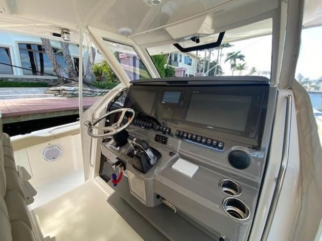 2018Pursuit S 408 - $689,000 boat for sale, photos and specifications