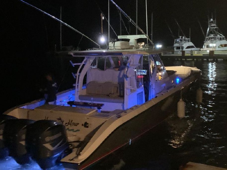 2018Pursuit S 408 Sport - $590,000 boat for sale, photos and specifications