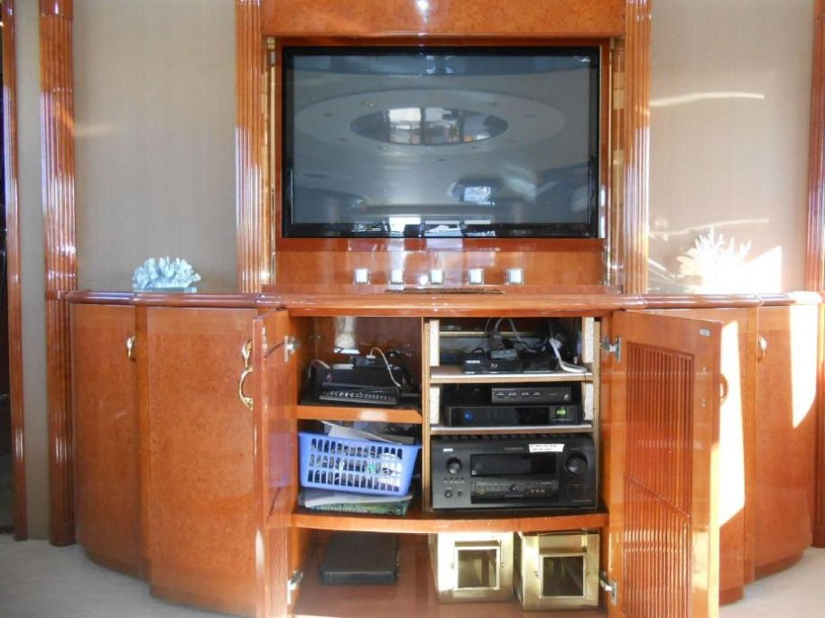 2002Viking Sport Cruisers 108 Motor Yacht - $895,000 boat for sale, photos and specifications