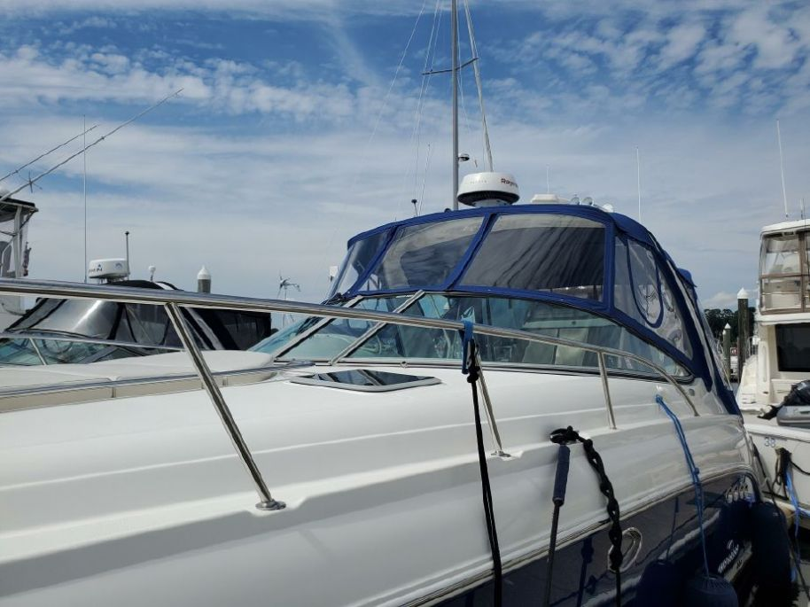 2005Chaparral Signature 350 - $130,000 boat for sale, photos and specifications