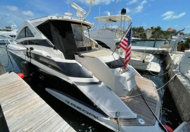 2009Regal 5260 Sport Coupe - $369,000 boat for sale, photos and specifications