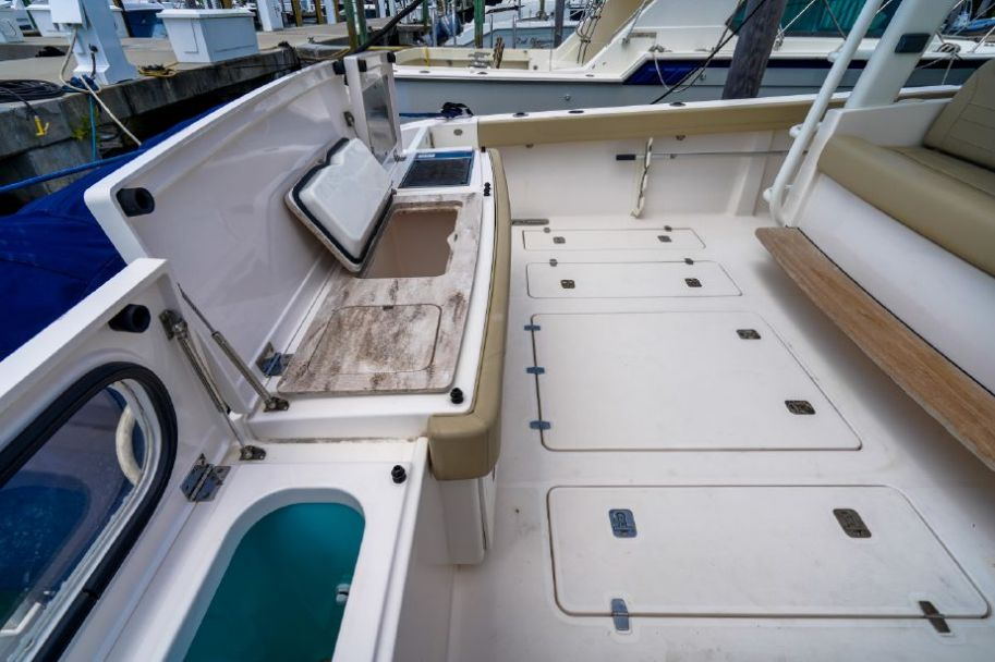 2017Pursuit 408 - $650,000 boat for sale, photos and specifications