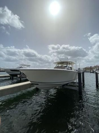 2018Pursuit S 408 - $729,000 boat for sale, photos and specifications