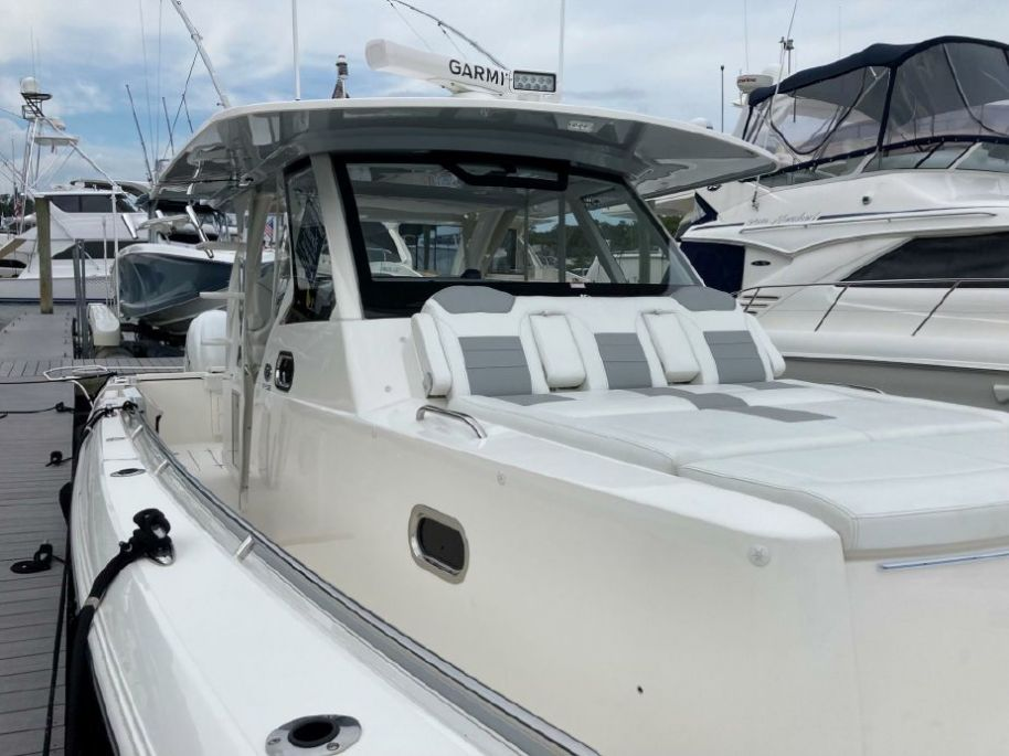 2020Pursuit S 408 - $799,000 boat for sale, photos and specifications